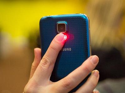 Cómo rechazar llamadas en tu Galaxy S6 Edge o S6 Edge+ con el sensor cardíaco